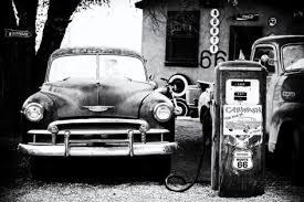 voiture et pompe a essence
